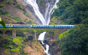 Waterfalls-In-Sri-Lanka-1.jpg