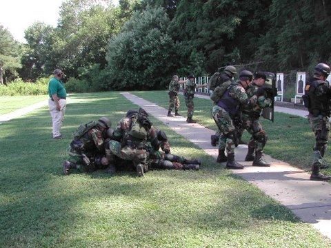 swat%20competition%2005%20010.jpg