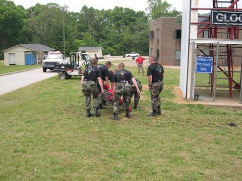 swat%20competition%2005%20119.jpg