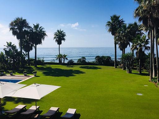 Classic Colonial First Line Beach Villa Casasola