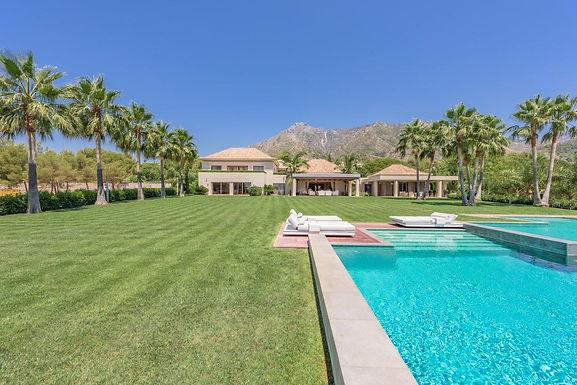 Spectacular and private Luxury Villa Sierra Bllanca