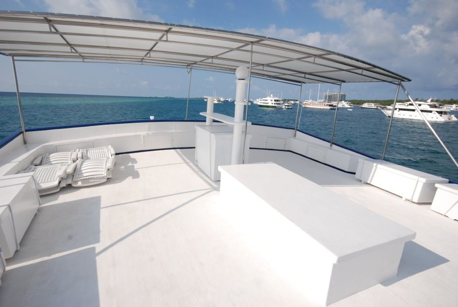Empeor Atoll sundeck