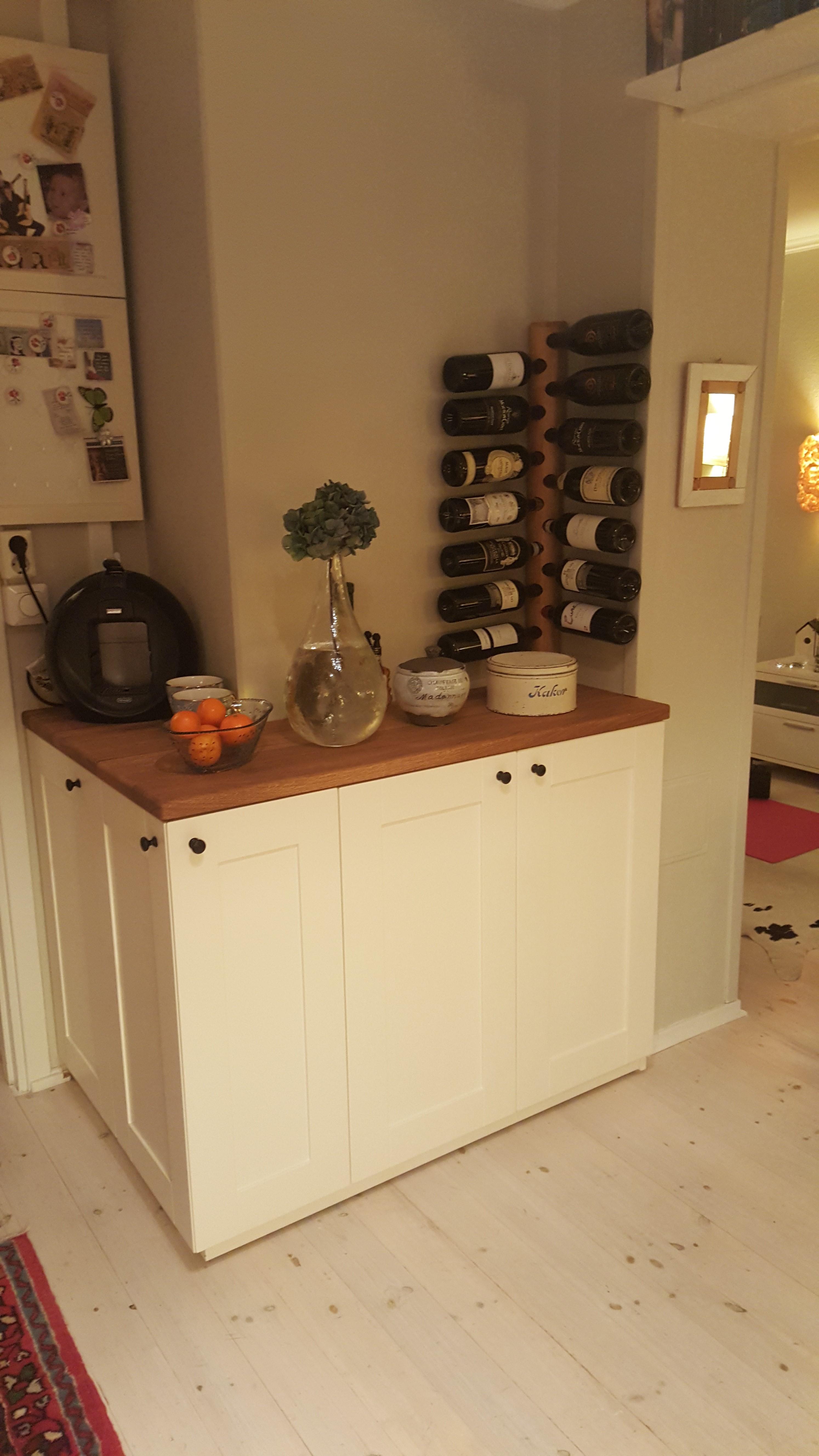 Interiør - Kjøkken og vinreol