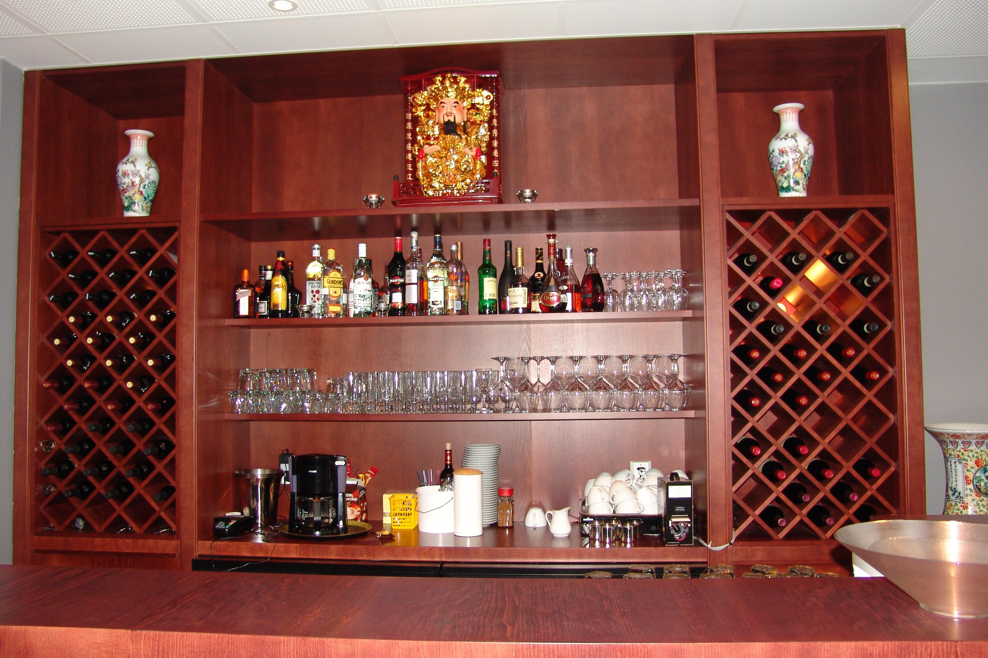 Interiør - Bar vinreol