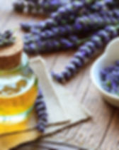 Lavendel_Öl_bearbeitet.jpg