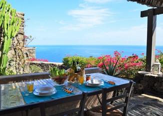 Ritiro Yoga a Pantelleria con Beatrice dal 17 al 24 Giugno