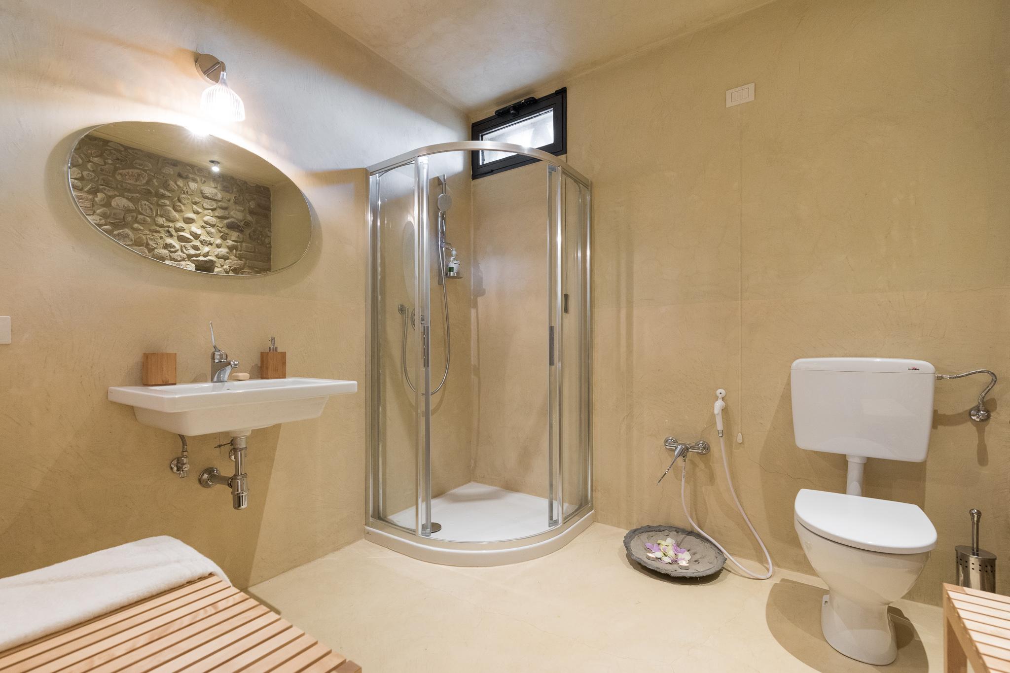 Fienile Bathroom