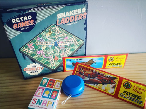 Snakes and Ladders Gift Set