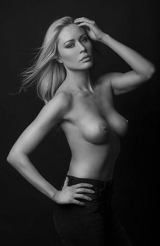 Stephanie_G_07_BD_by_Olivier_Merzoug_Pho