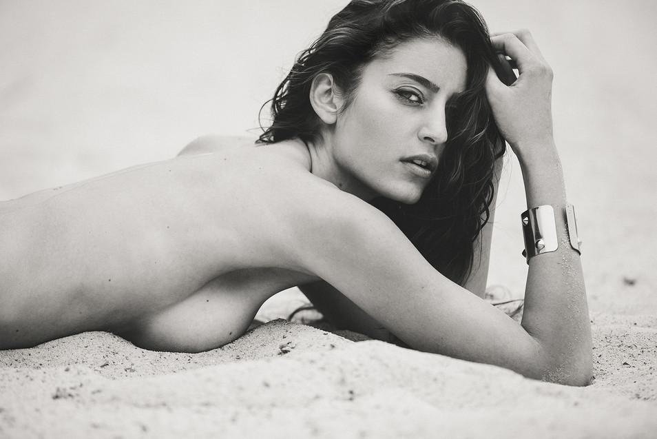 Caroline_02_BD_by_Olivier_Merzoug_Photog
