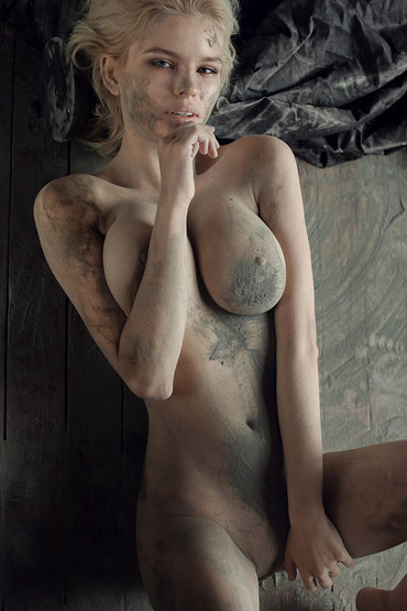 Julia-Logacheva-Naked-TheFappeningBlog.c