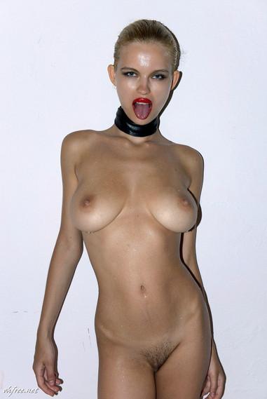 julia-logacheva-nude-3.jpg