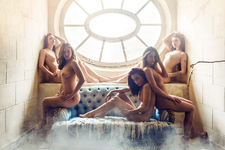 Naked_01_BD_by_Olivier_Merzoug_Photograp