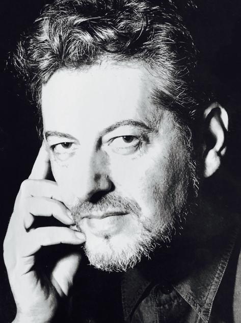Benigno Morilla. Fotografía de la solapa de El Hilo de Oro