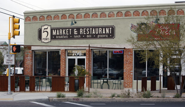Image of the front of 5 Points Market & Restaurant