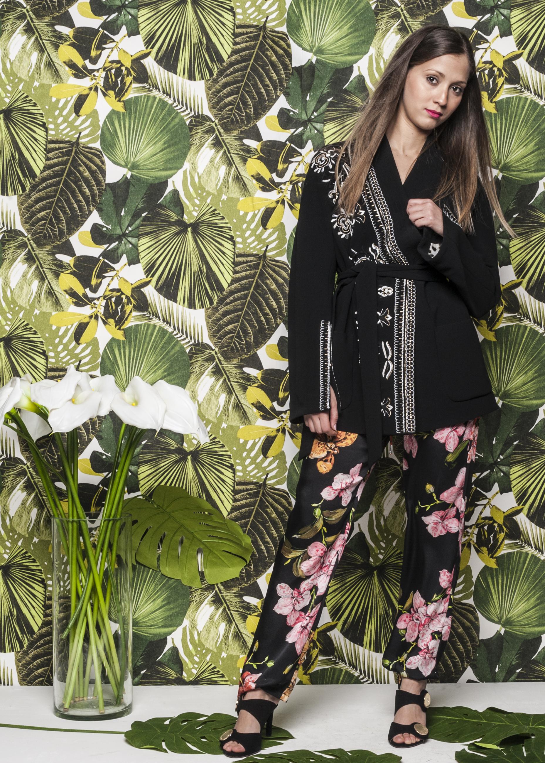 Giacca_Kimono_Bazar_Delux_€_780_Pantalone_gioging_in_seta_Pinko_€_255