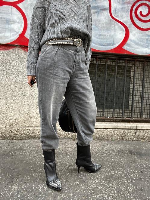 Jeans vita alta con pinces
