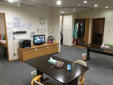 ピアホーム鶴見・2階食堂.JPG