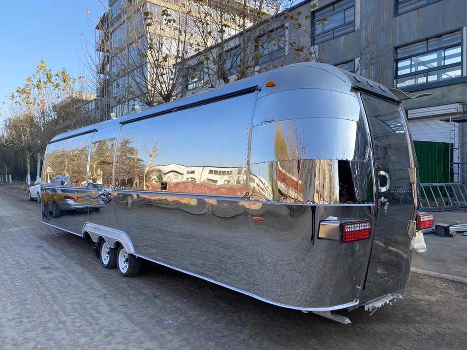 9 meter food trailer in AU.jpg