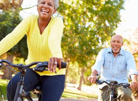 Idosos e exercícios ao ar livre: quem disse que não pode?