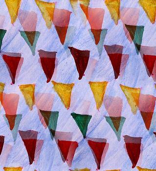 Triángulos multicolores