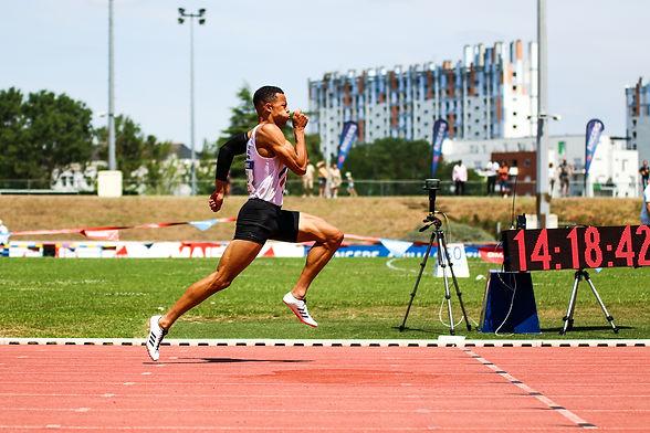 sasha zhoya record man du monde du 110m haies, championnats de France athlétisme angers 2019, 200m