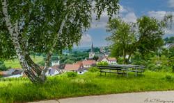 Rastplatz im Sommer oberhalb von  Laubenheim