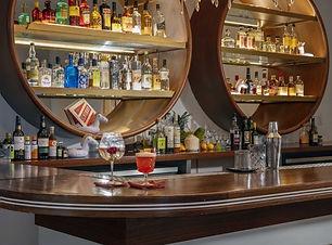 Axel Bar.jpg