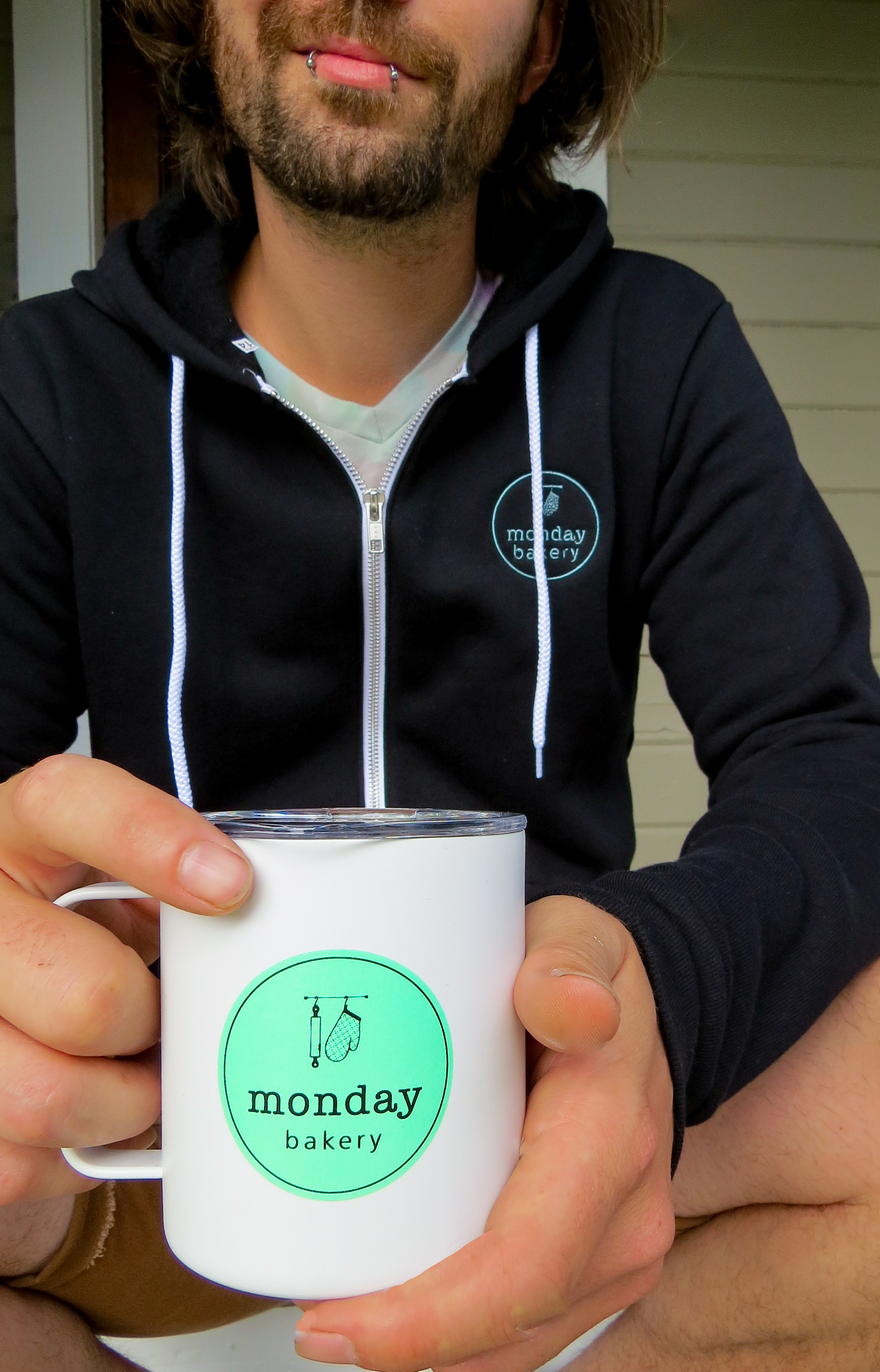 Miir Mug & Logo Sweatshirt