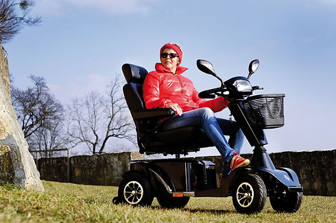 gallery-s700-mobility-scooter-lifestyle1