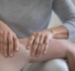 shoulder treatment at move move chiropractic clinic in cheltenham