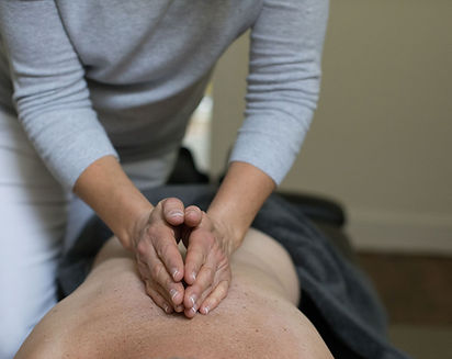 back treatment at move move chiropractic clinic in cheltenham