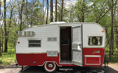 vintage camper rv rental Nashville Franklin Tennessee