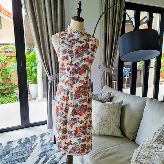 Blossoms Shiroi Cheongsam Dress