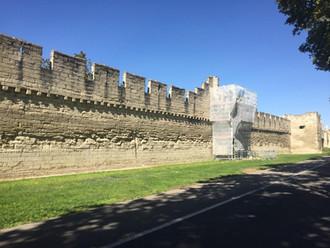 Restauration des remparts à Avignon
