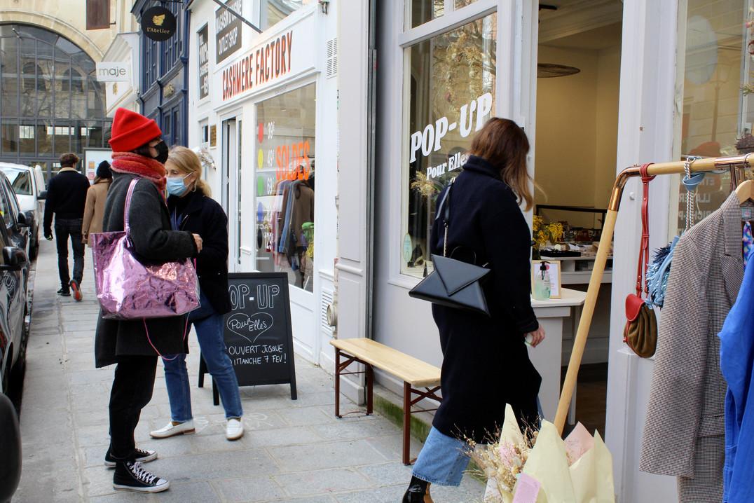 rue commerçante pop-up store