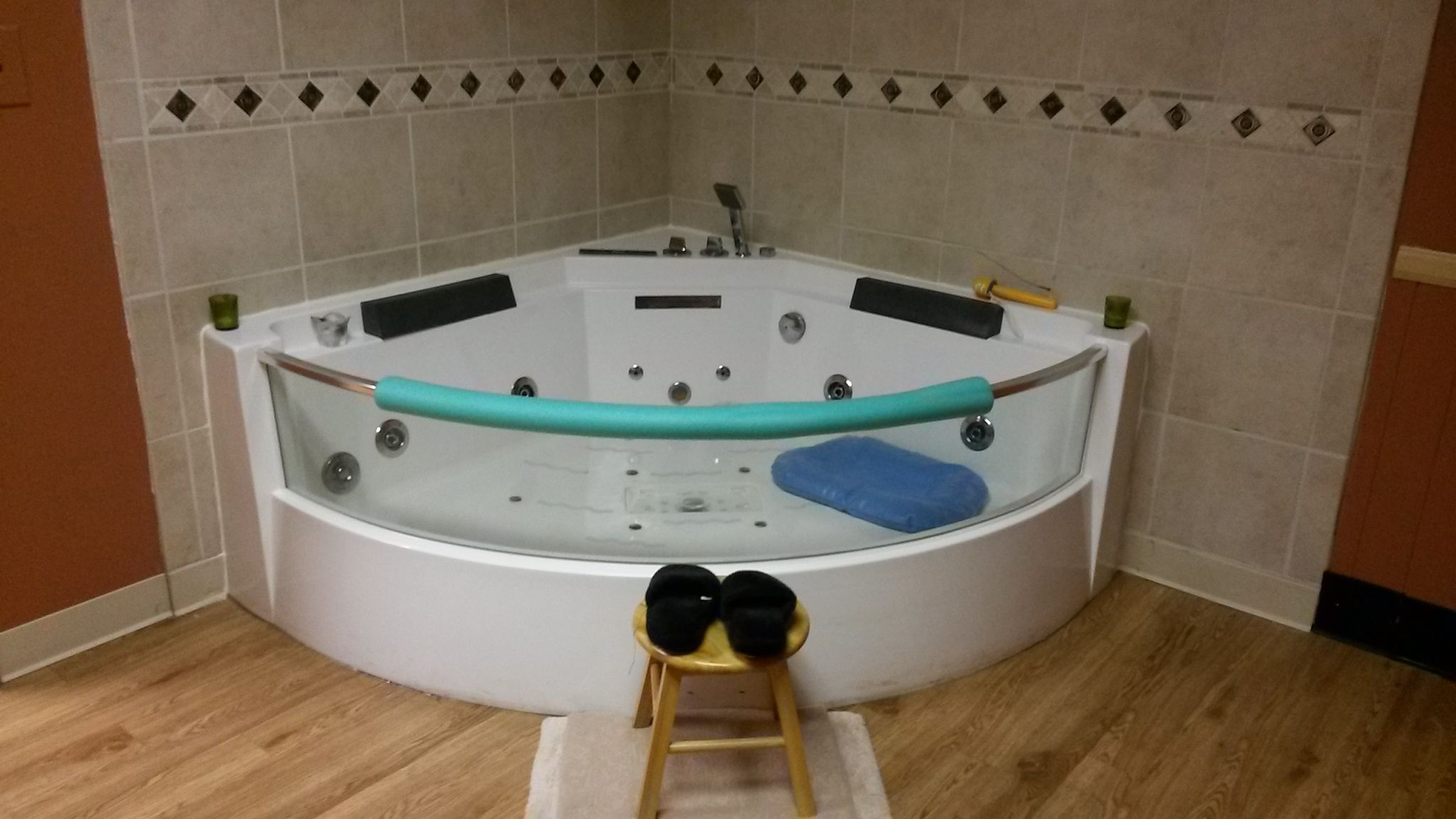 fountain suite tub