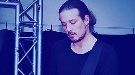 U2fly | Live Show | Bass