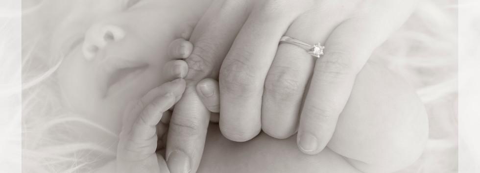 2_Mom's finger.jpg