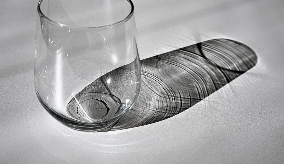 06-04_Glass_Skygge