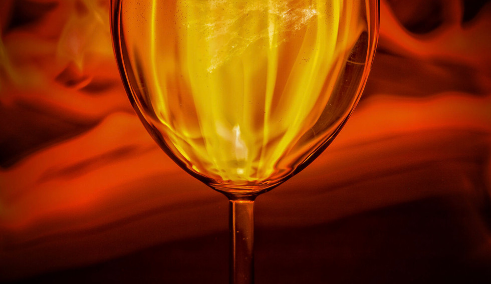 26-02_Glass-Drink of flames-