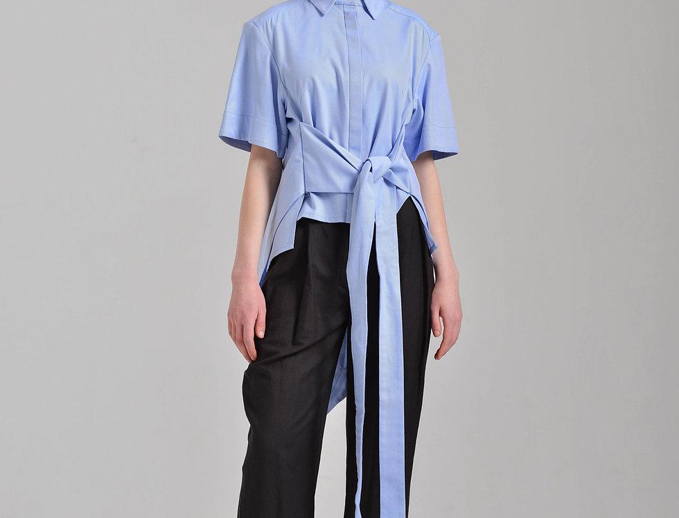 Рубашка с завязками и хвостом