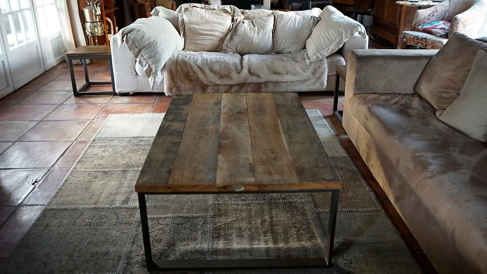 Table basse métal plat et chêne brut