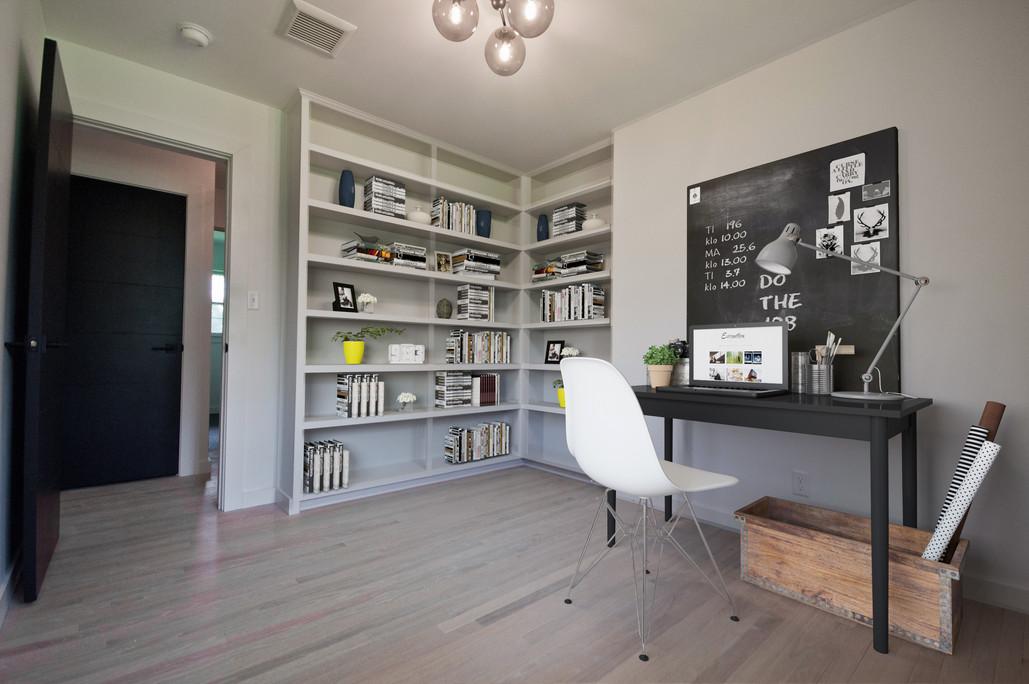 Seneca Office Furnished Listing.jpg