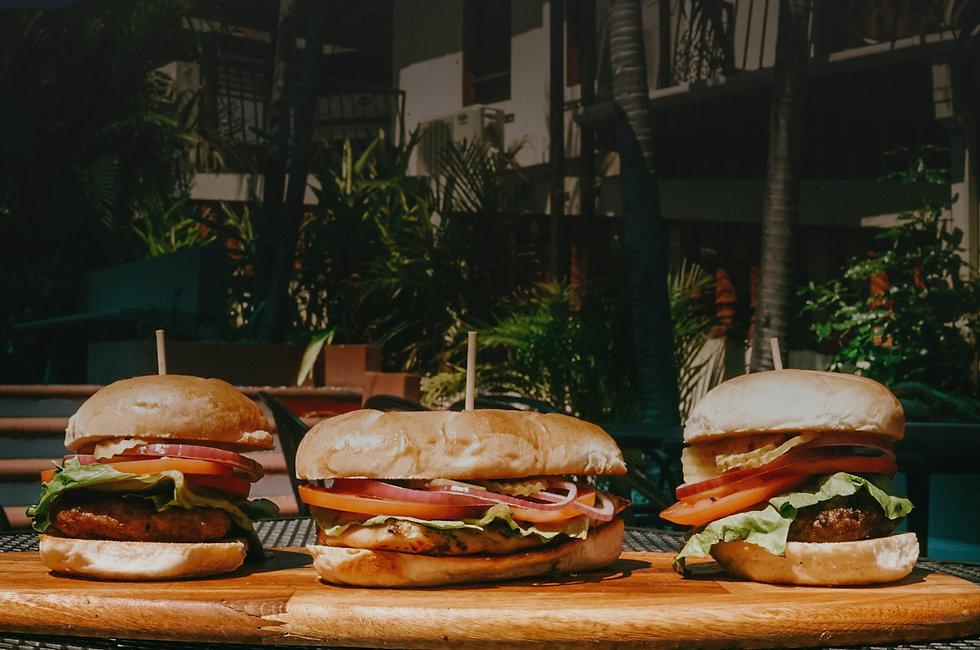 Foto isla cueva hamburgers .jpg
