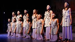 """""""Travessias"""" com a Escola Municipal de Dança Iracema (Araraquara)"""