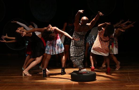TUPINAMBAUSCH – Ensaios indígenas para uma dança moderna