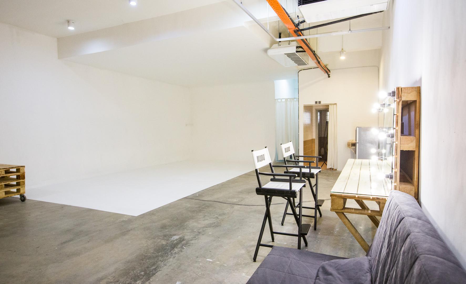 Studio D-1.jpg