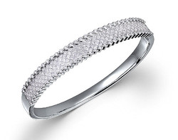 18k white gold 5.60ct total weight invisible set bangle DPA22401-7
