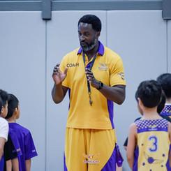 Ikenna Nwankwo coaching basketball in Bangkok